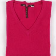 Gdzie produkuje się kaszmirowe swetry?